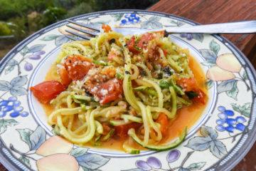 zoodles & fresh tomato sauce